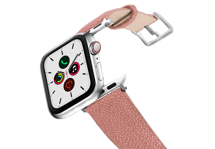 Cashmere-Rose-AW-pink-stingray-leather-band-stainless-steel-case-on-air