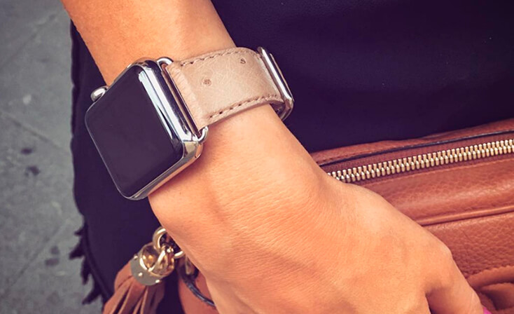 canvasback-beige-ostrich-Apple-watch-band-woman-casual