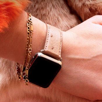 canvasback-beige-ostrich-Apple-watch-band-woman-denim