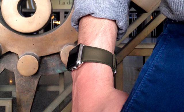 musk-green-nappa-apple-watch-leather-band-man
