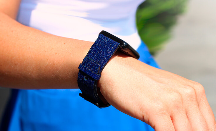 royal-blue-stingray-leather-apple-watch-band