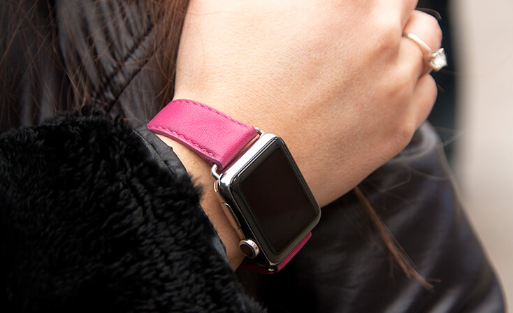 scarlets-velvet-nappa-apple-watch-leather-band-denim-woman