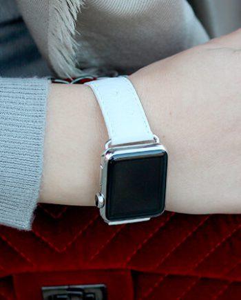 snowflake-white-ostrich-Apple-watch-band-woman