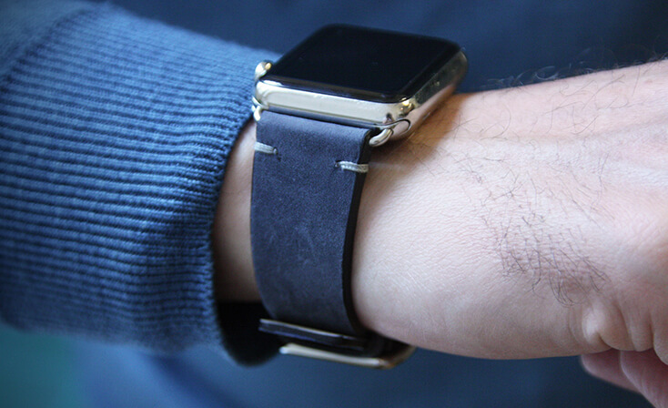 vintage-arctic-night-Apple-watch-leather-band