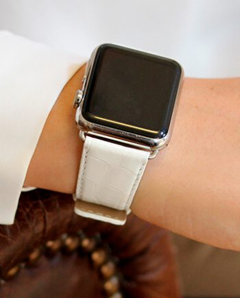 white-alligator-apple-watch-band-denim-woman