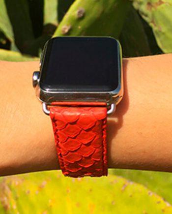 matador-red-real-pythion-Apple-watch-band-woman