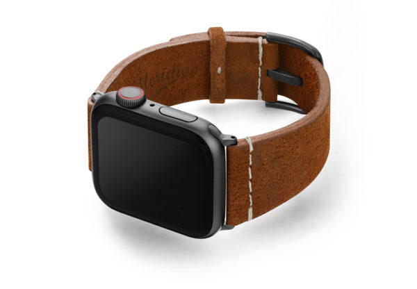 Cordwood-Apple-Watch-brown-heritage-leatehr-band-woth-case-on-left