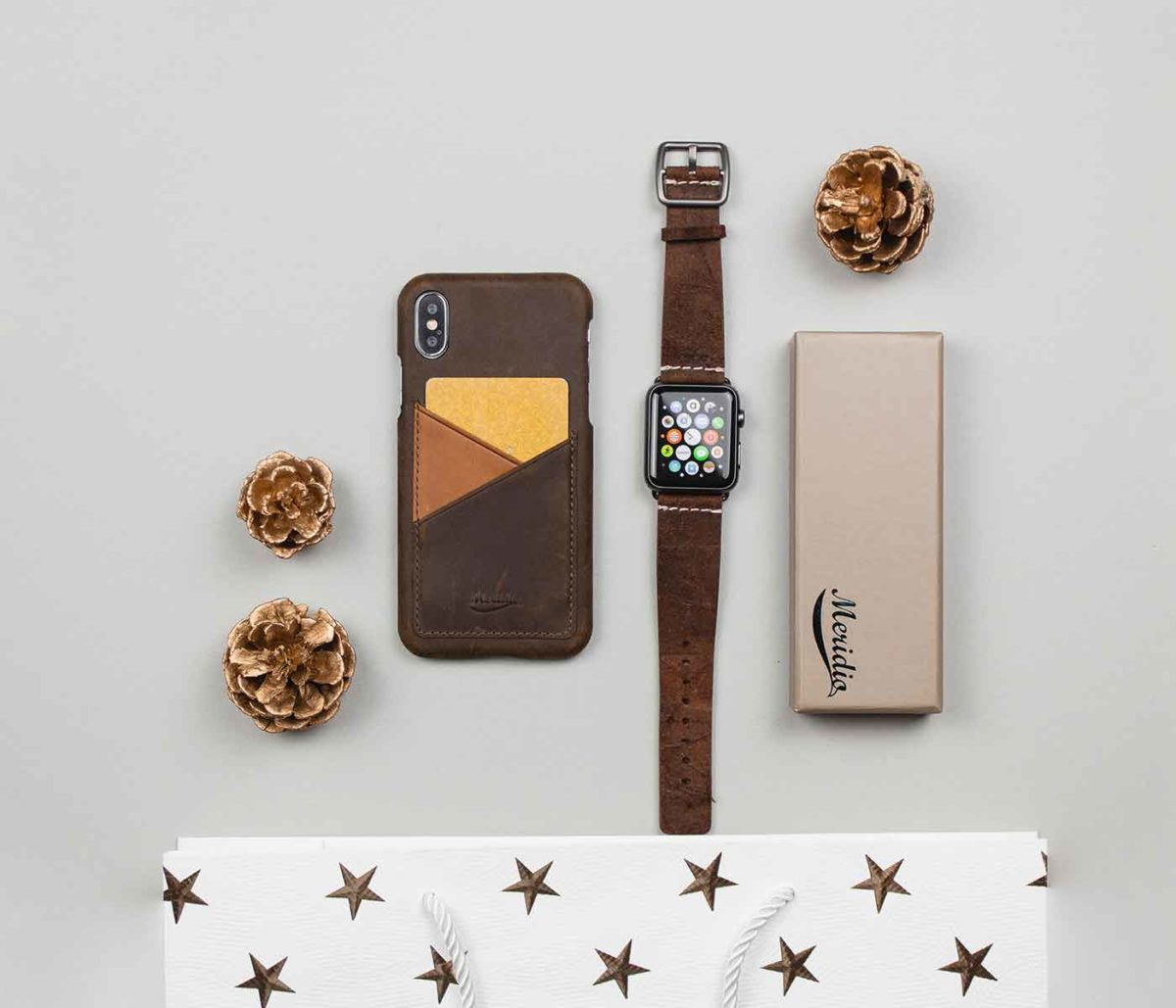 Cottage-Chocolate-and-cigar-iPhone-leather-case-in-a-christmas-mood