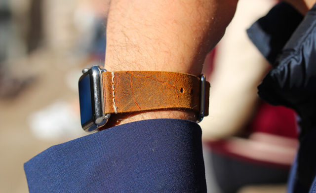 cordwood-cognac-heritage-Apple-watch-leather-band-sportwear.
