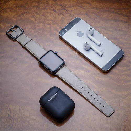 pottery-grey-Apple-watch-nappa-band-with-hearphone