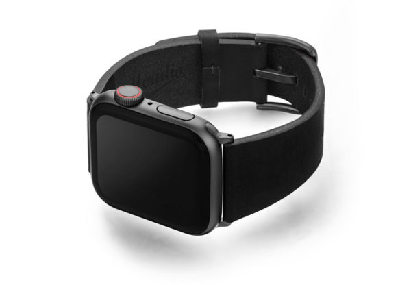 Cassel-Apple-watch-genuine-black-leather-band-with-case-on-left
