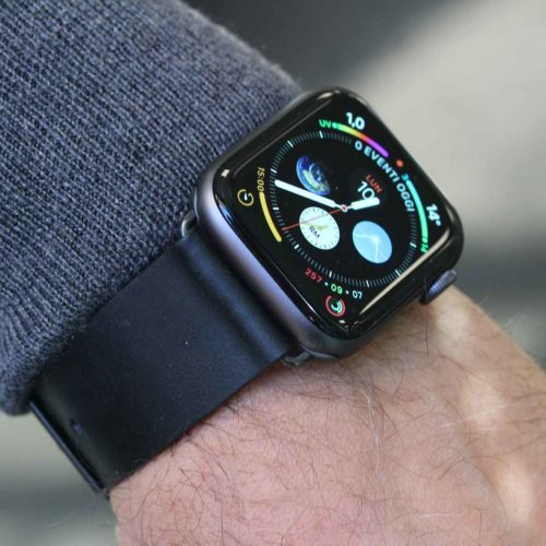 Cassel-Apple-watch-series4-black-leather-band