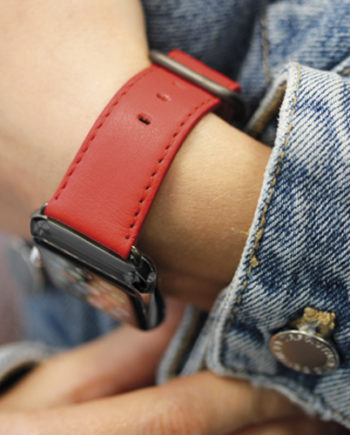 Coral-Apple-watch-nappa-band-with-jeans-jacket