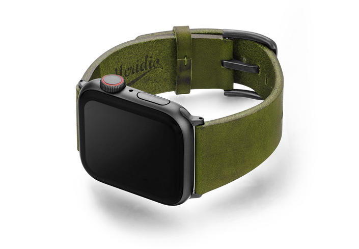 Deep-Leaf-Apple-watch-green-genuine-leather-band-with-case-on-left