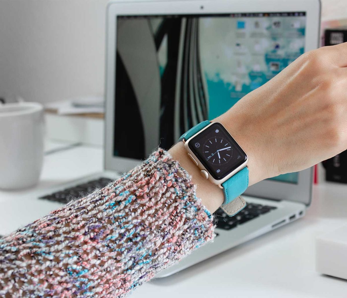 Turquoise-Apple-watch-nappa-band-for-her