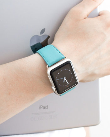 Turquoise-Apple-watch-nappa-band-on-feminine-wrist