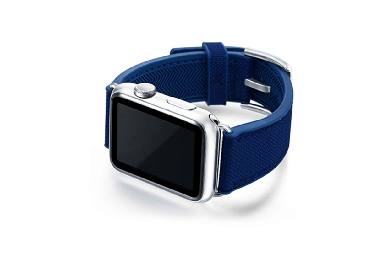 Deep-Ocean-Apple-watch-blue-natural-rubber-strap-with-case-on-left