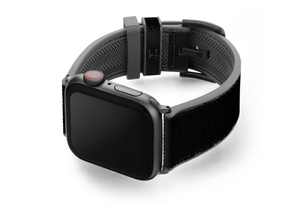Gloomy_Apple_watch_black_caoutchouc_band_with_case_on_left