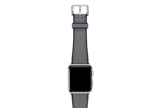 Summer-Cloud-Apple-watch-grey-natural-rubber-strap-with-stainless-case
