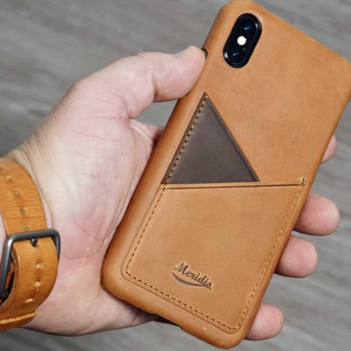 Barrel-and-Tawny-Apple-watch-brown-leather-band-closeup-bs