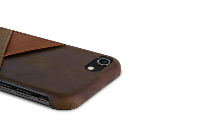 iPhone-7-8-dark-brown-Leather-case-on-top