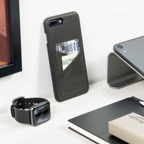 Cassel+CArbon-Core-Apple-combo-black-leather-accessories-close-to-mac-screen-bs