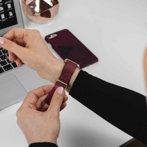 Grapewine-and-Colonial-red-burgundy-combo-Apple-accessories-for-her-tech-mood