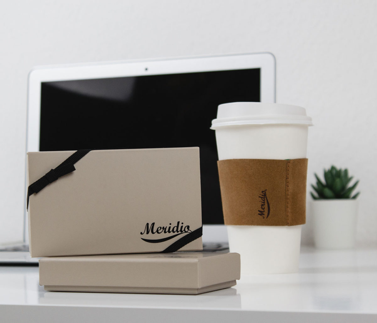 Mid Day Break-light-brown-cup-sleeves-and-its-gift-box