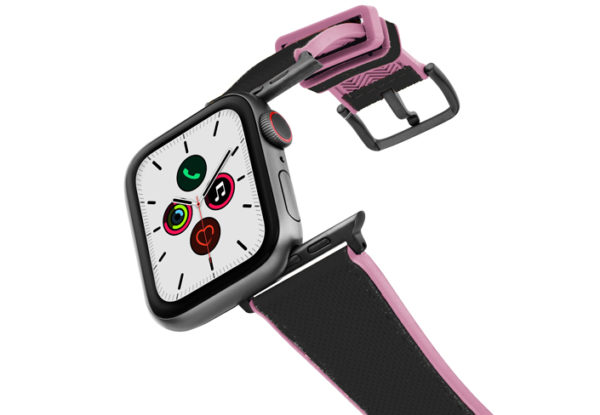 Blue_Abyss_Apple_watch_caoutchouc_band_with_a_space_grey_case_on_air
