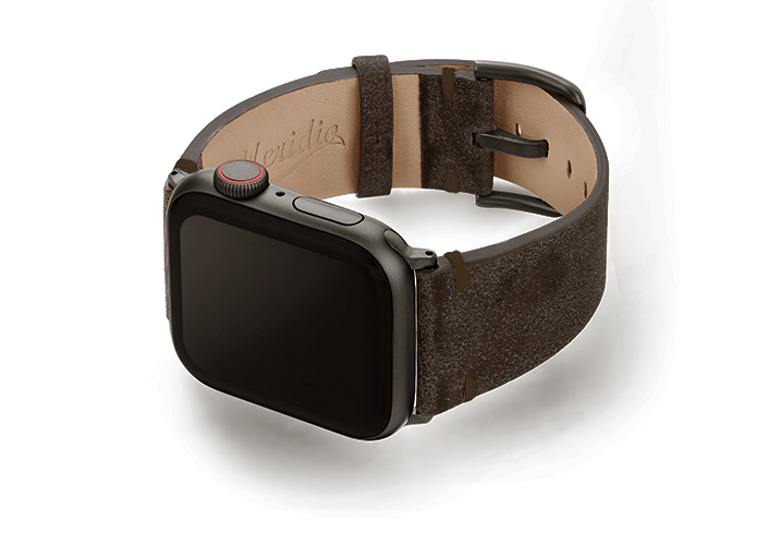Deep-Foosil-AW-ancient-brown-leather-band-with-case-on-left