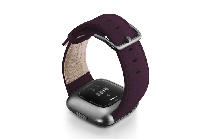 Burgundy-Fitbit-nappa-leather-band-with-back-carbon-aluminium-case