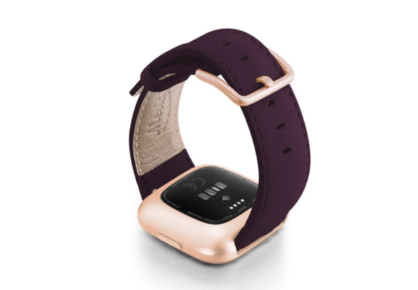 Burgundy-Fitbit-nappa-leather-band-with-back-rose-aluminium-case