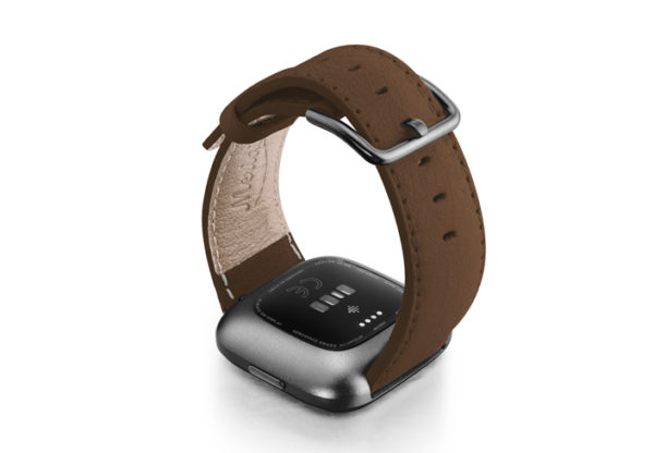 Chestnut-Fitbit-nappa-leather-band-with-back-carbon-aluminium-case