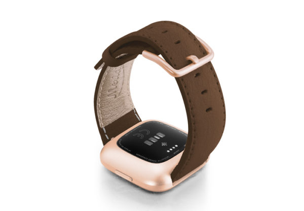 Chestnut-Fitbit-nappa-leather-band-with-back-rose-aluminium-case