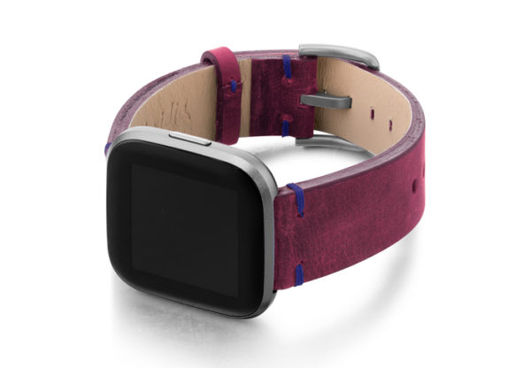 Colonial-Red-Fitbit-nappa-band-with-left-case-cordino-blu