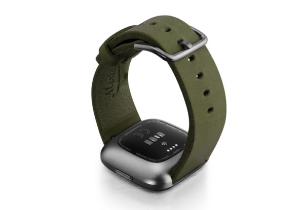 Deep-Leaf-Fitbit-Watch-green-full-grain-leather-band-with-carbon-aluminium-back-case