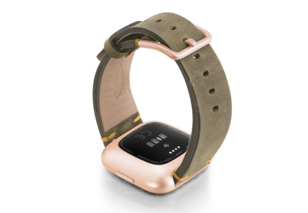 Driedherb-Fitbit-vintage-leather-band-with-back-rose-aluminium-case