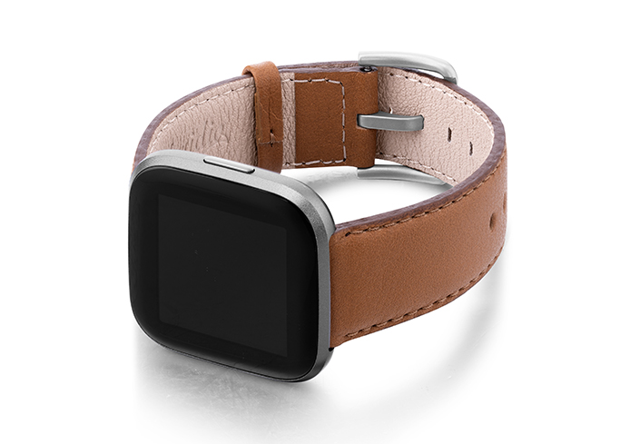 Goldstone-Fitbit-Watch-brown-nappa-Leather-band-with-case-on-left