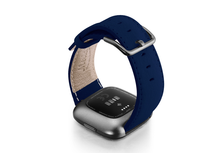 Mediterranean-Blue-Fitbit-nappa-band-with-carbon-aluminium-case