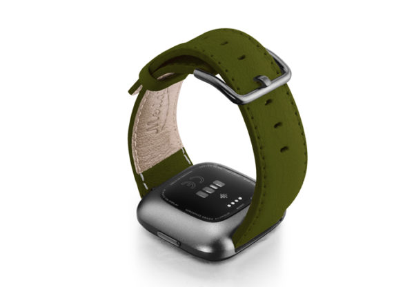 Musk-Fitbit-nappa-leather-band-with-carbon-aluminium-case