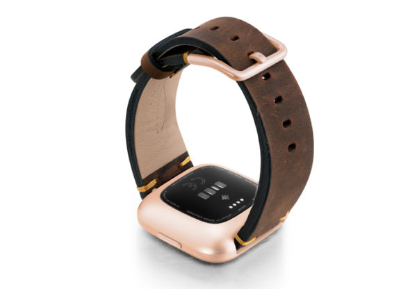 Old-Brown-Fitbit-vintage-leather-band-with-back-rose-aluminium-case