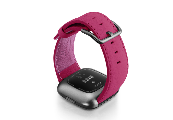 Scartets-Velvet-Fitbit-nappa-band-with-back-carbon-aluminium-case