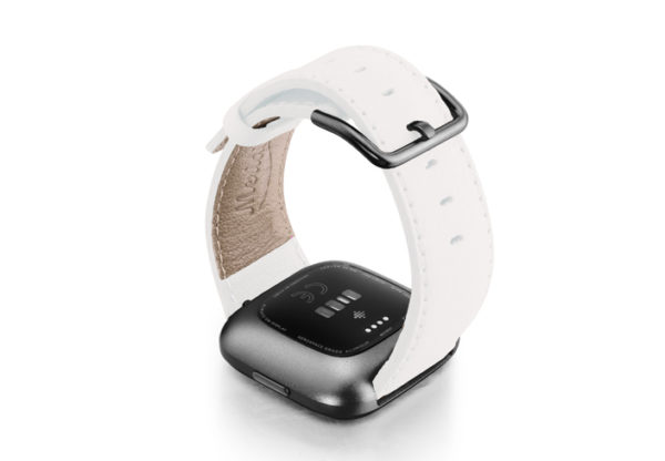 White-Fitbit-nappa-leather-band-with-back-carbon-aluminium-case