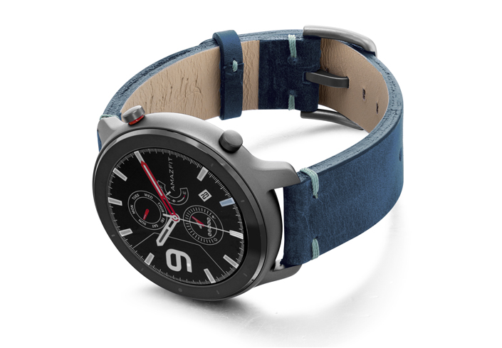 Amazfit-GTR-artic-blue-vintage-leather-band-with-display-on-left