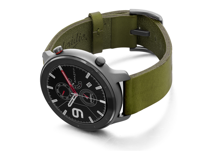 Amazfit-GTR-deep-leaf-clay-leather-band-with-displey-on-left