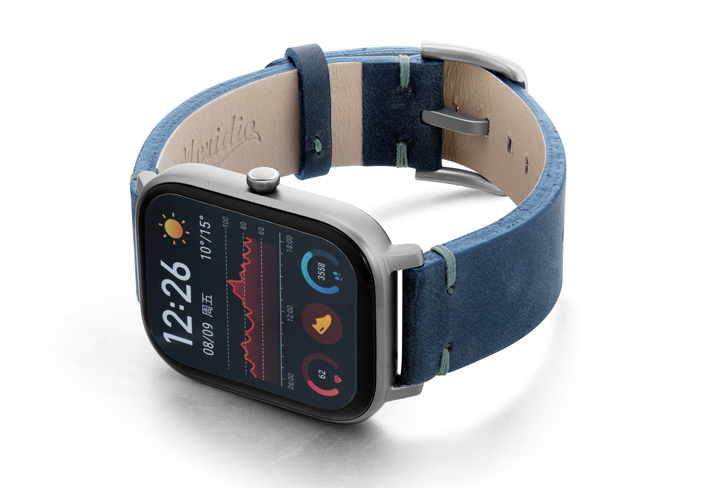 Amazfit-GTS-artic-blue-vintage-leather-band-with-displey-on-left