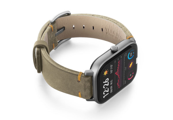 Amazfit-GTS-driedherb-vintage-leather-band-with-displey-on-right