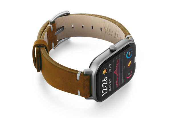 Amazfit-GTS-smoked-walnut-vintage-leather-band-with-displey-on-right
