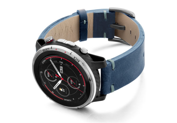 Amazfit-Stratos-artic-blue-vintage-leather-band-with-display-on-left