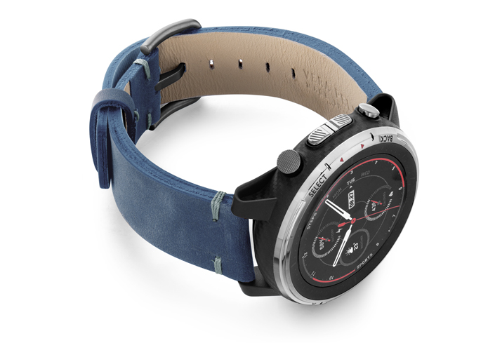 Amazfit-Stratos-artic-blue-vintage-leather-band-with-display-on-right